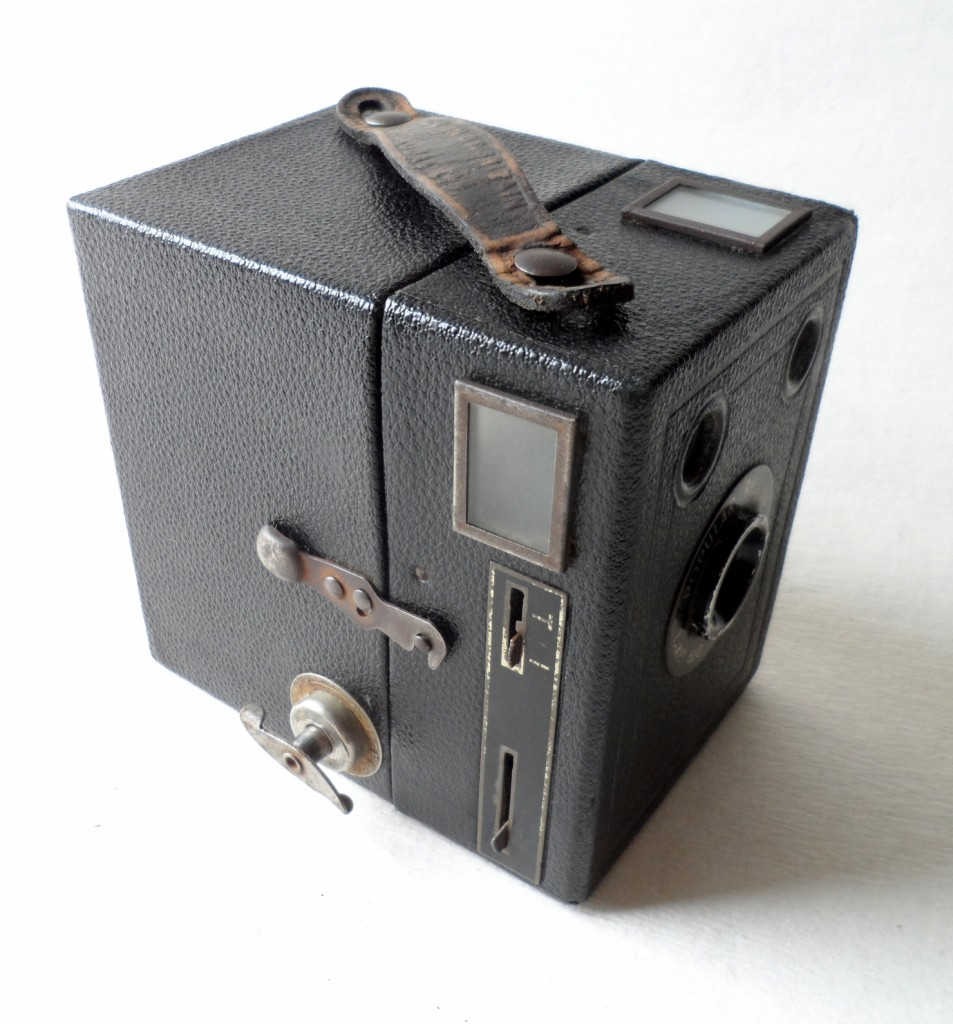 Vintage Coronet Portrait 120 Roll Film Box Camera in ...  |Old Camera Film Roll Boxes